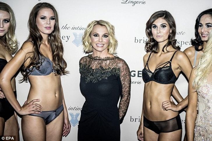 Britney Spears, apariţie chinuită în Danemarca, unde şi-a lansat o linie de lenjerie intimă