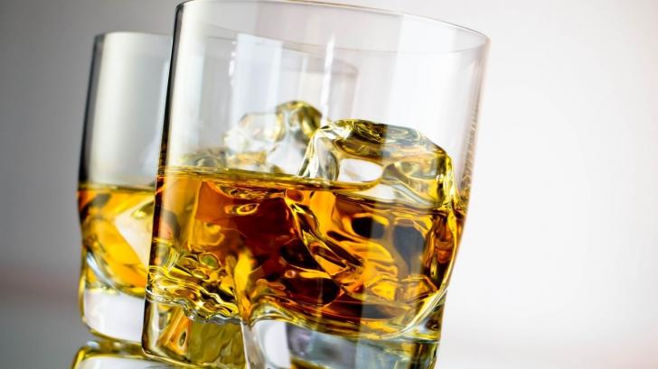Ce se întâmplă în corpul nostru când consumăm alcool