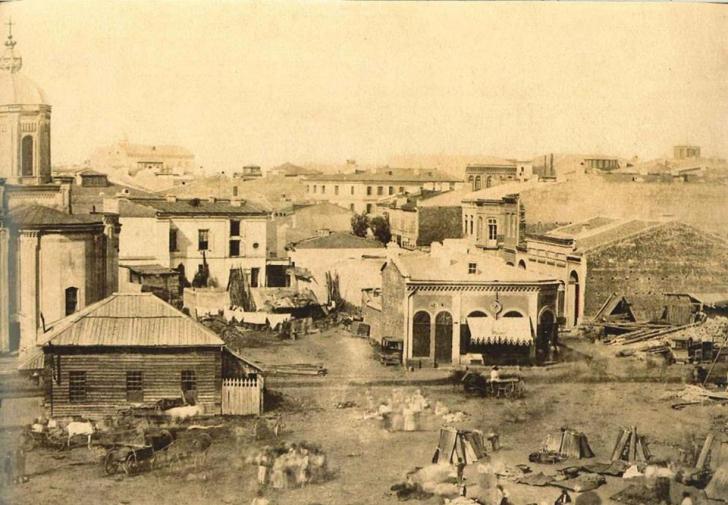 Oraşul caselor aruncate la nimereală - Bucureşti