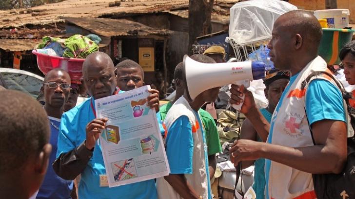 """Ebola: Guvernul din Sierra Leone """"va închide"""" țara timp de 4 zile"""