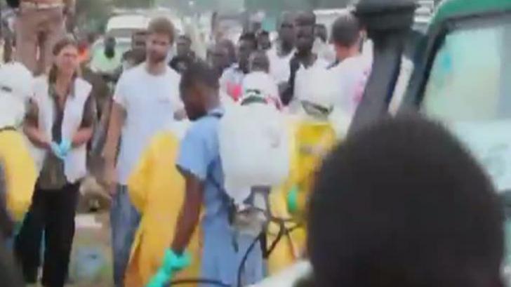 Pacient bolnav de Ebola, a fugit din spital pentru a căuta mâncare