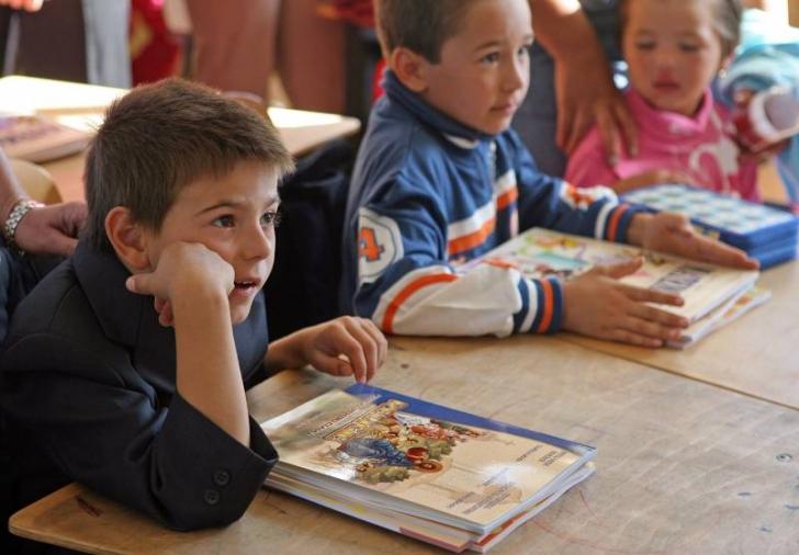 Începe o nouă săptămână de şcoală, fără abecedare