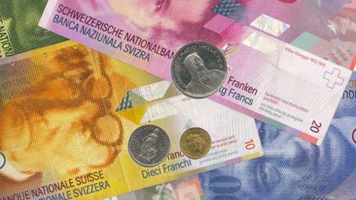 Veste bună pentru cei care au credite în franci elveţieni. O brăileancă a câştigat lupta cu banca