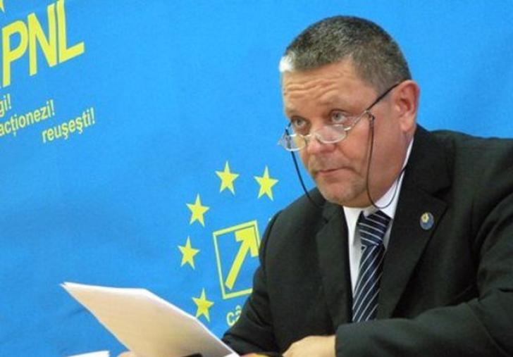 Deputatul PNL, Mircea Cazan: Ponta are 7 case nedeclarate, în declarația de avere