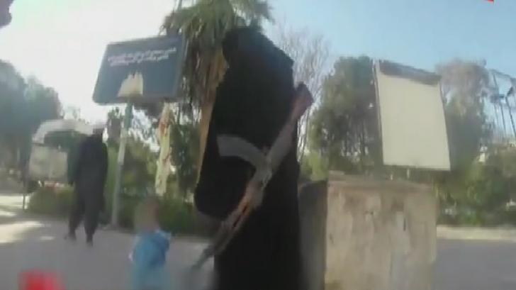 Viaţa în oraşul controlat de jihadişti - VIDEO camera ascunsă