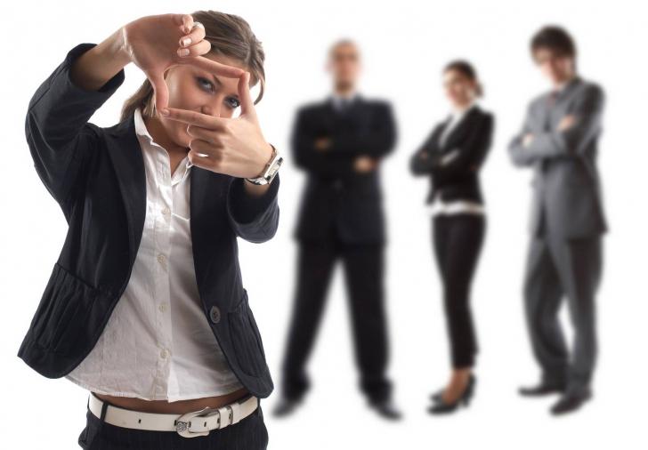 Se schimbă generaţiile în business! Cine sunt LUPII TINERI care preiau afacerile şi unde investesc