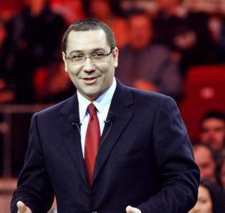 Ponta îi dă replica Elenei Udrea: Ceauşescu îşi făcea congresele la Sala Palatului, nu pe stadion