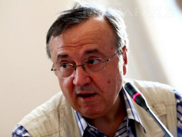"""""""Dacă Turcescu a fost ofițer acoperit, în 2009, atunci unul dintre servicii ne-a pus președintele"""""""