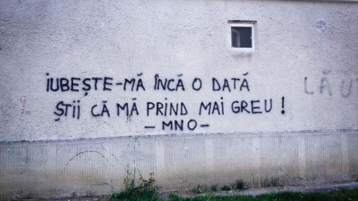 Mesajul surprins pe un zid din Bistriţa