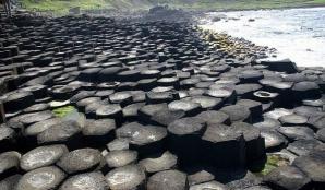 Giant's Causeway, scena unor filme ca Harry Potter, este una dintre cele mai vizitate zone din Irlanda de Nord