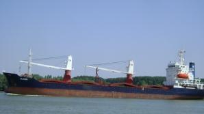 Navă eşuată pe Dunăre