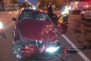 Şofer din Timişoara, DOUĂ ACCIDENTE GRAVE în câteva minute. Maşina, FĂCUTĂ PRAF