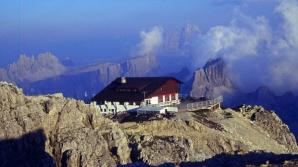 Top 6 cabane la munte construite în locuri periculoase