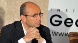 GUŞĂ: 'Un ofiţer acoperit are o viaţă de PRIZONIER'. Ce a urmărit Băsescu prin DEZBRĂCAREA lui Ponta