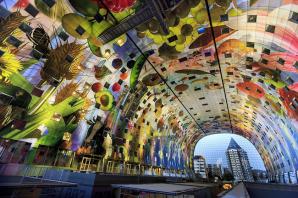 Piaţa nou construită din Rotterdam