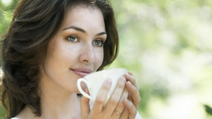 4 băuturi care îți CRESC INTELIGENŢA