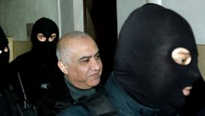 Fraţii lui Omar Hayssam, daţi în urmărire. Au plecat din ţară înainte de condamnare