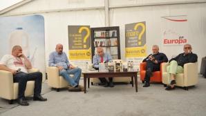 Trei personalităţi şi-au lansat volumele de carte în cadrul FICT