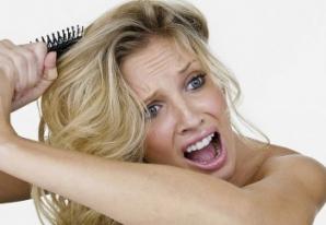 Cum să-ţi ajuţi părul să crească mai repede