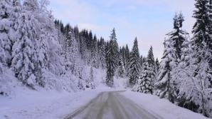 Circulaţie îngreunată de zăpadă în Maramureş. Fotografie de arhivă