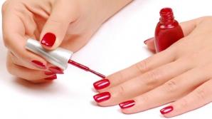 OJA pentru unghii este DĂUNĂTOARE: Este CEL MAI TOXIC produs cosmetic