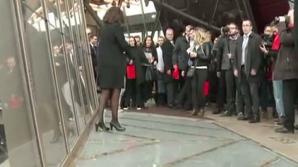 Podea de sticlă în Turnul Eiffel
