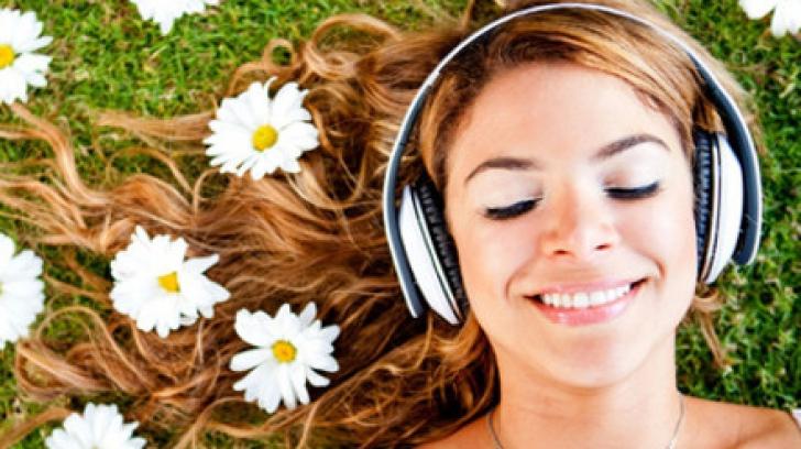 Cum îţi afectează căştile audio sănătatea
