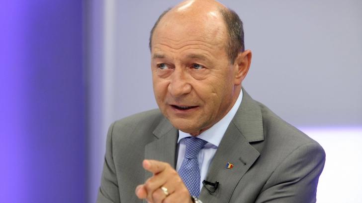 Traian Băsescu: Primul lucru care ar trebui făcut este legea finanțării partidelor