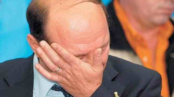 Jocul pe care POLITICIENII ROMÂNI îl vor ȘTERS! Cum este BATJOCORIT Băsescu