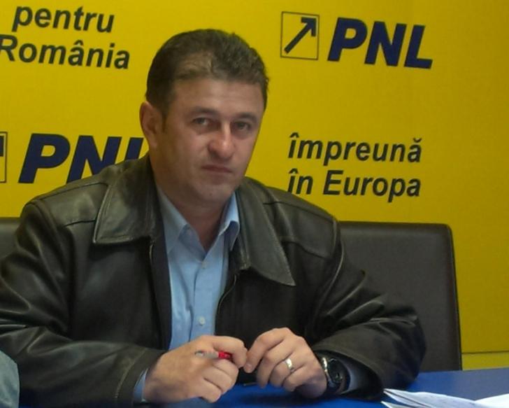Ziua și migrația politică. Trei primari şi mai mulţi consilieri PNL şi PDL din Alba au trecut la PSD