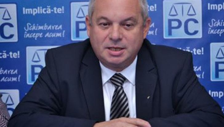 Parlamentul, SCUT PENTRU PENALI. Deputatul DINIȚĂ, salvat iar de COLEGII care au părăsit PLENUL