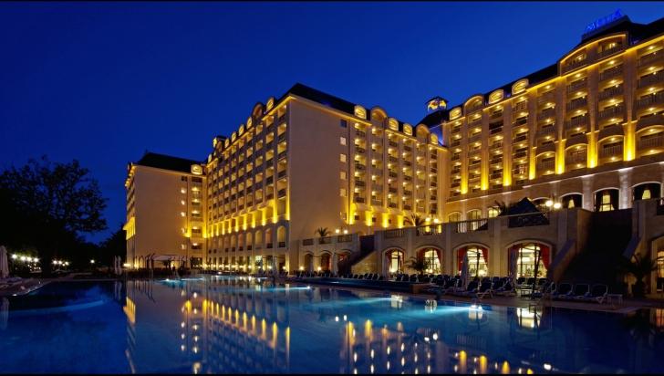 hoteluri criza
