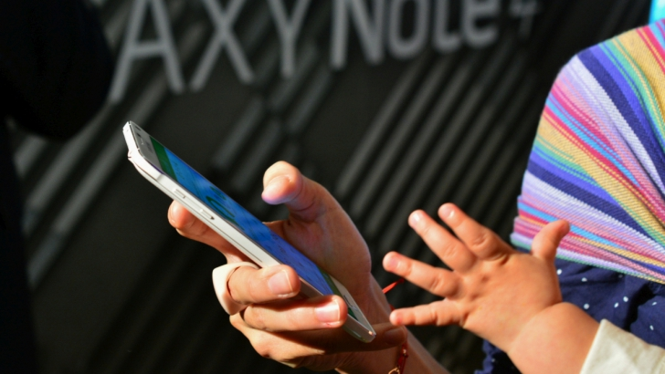 MARELE CADOU de la Samsung: un Galaxy Note 4 lansat în România cu ceva special