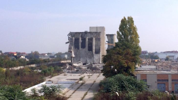Fabrica de pâine Băneasa, în ruine de mai multă vreme