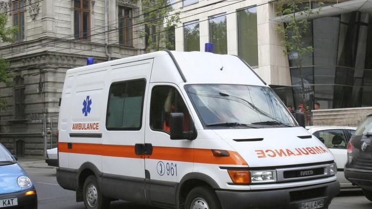 Bistriţa: Consilier judeţean PDL, la spital după ce a fost lovit cu pumnul în timp ce făcea campanie