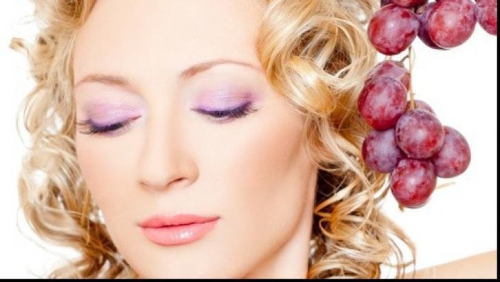 Fresh Refresh. Masca de faţă cu vin: vindecă acneea şi regenerează pielea