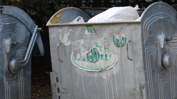 Tomberoane cu gunoi