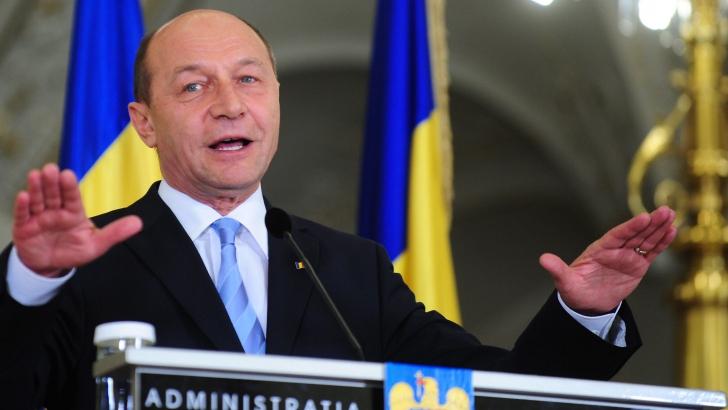 Traian Băsescu: Actualul Parlament nu poate controla serviciile