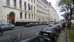 Coadă uriaşă la Viena