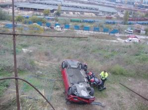 ACCIDENT incredibil la Constanţa: o şoferiţă a plonjat 10 metri în gol