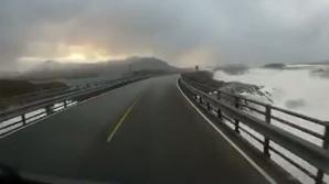 Cel mai periculos drum din Norvegia. IMAGINI care te înspăimântă