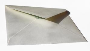 Doi miniştri cehi au primit plicuri cu otravă prin poştă