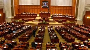 Senatorii și deputații s-ar putea reuni, marţi, pentru a discuta numirile în CA-urile SRR şi CNA