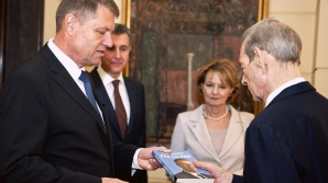 Klaus Iohannis dezminte că l-ar fi invitat pe Regele Mihai la învestitura sa: Aşa ceva nu se face! / Foto: Facebook.com