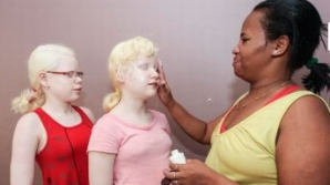 Poveste incredibila a femeii de culoare care este confundata cu o dadaca