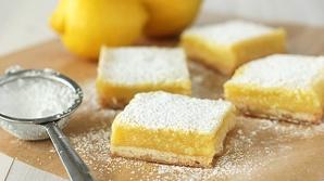 Prăjitură cu blat crocant şi cremă de lămâie