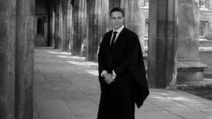 Masterand român la Cambridge: Domnule Iohannis, vă rugăm, fiţi cu ochii pe ei!
