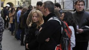 ALEGERI PREZIDENȚIALE 2014 DIASPORA. O româncă a așteptat 10 ore, la Paris, ca să voteze
