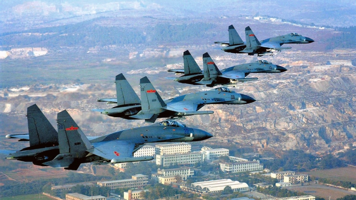 Avioane de tip Su-27