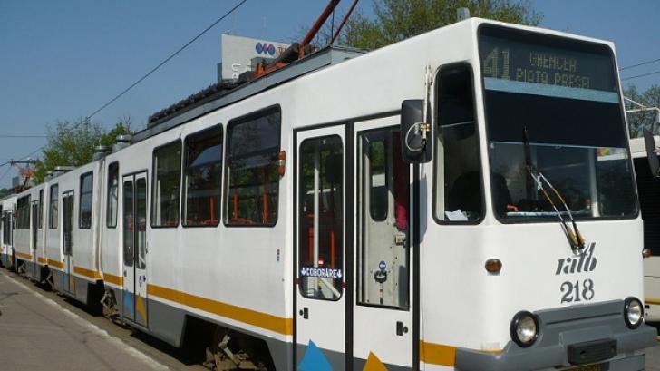 Traficul tramvaiului 41, blocat vineri dimineaţă